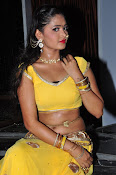 shreya vyas latest hot pics-thumbnail-7