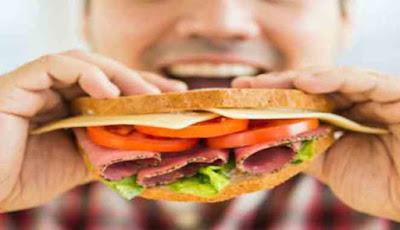 Makan junkfood
