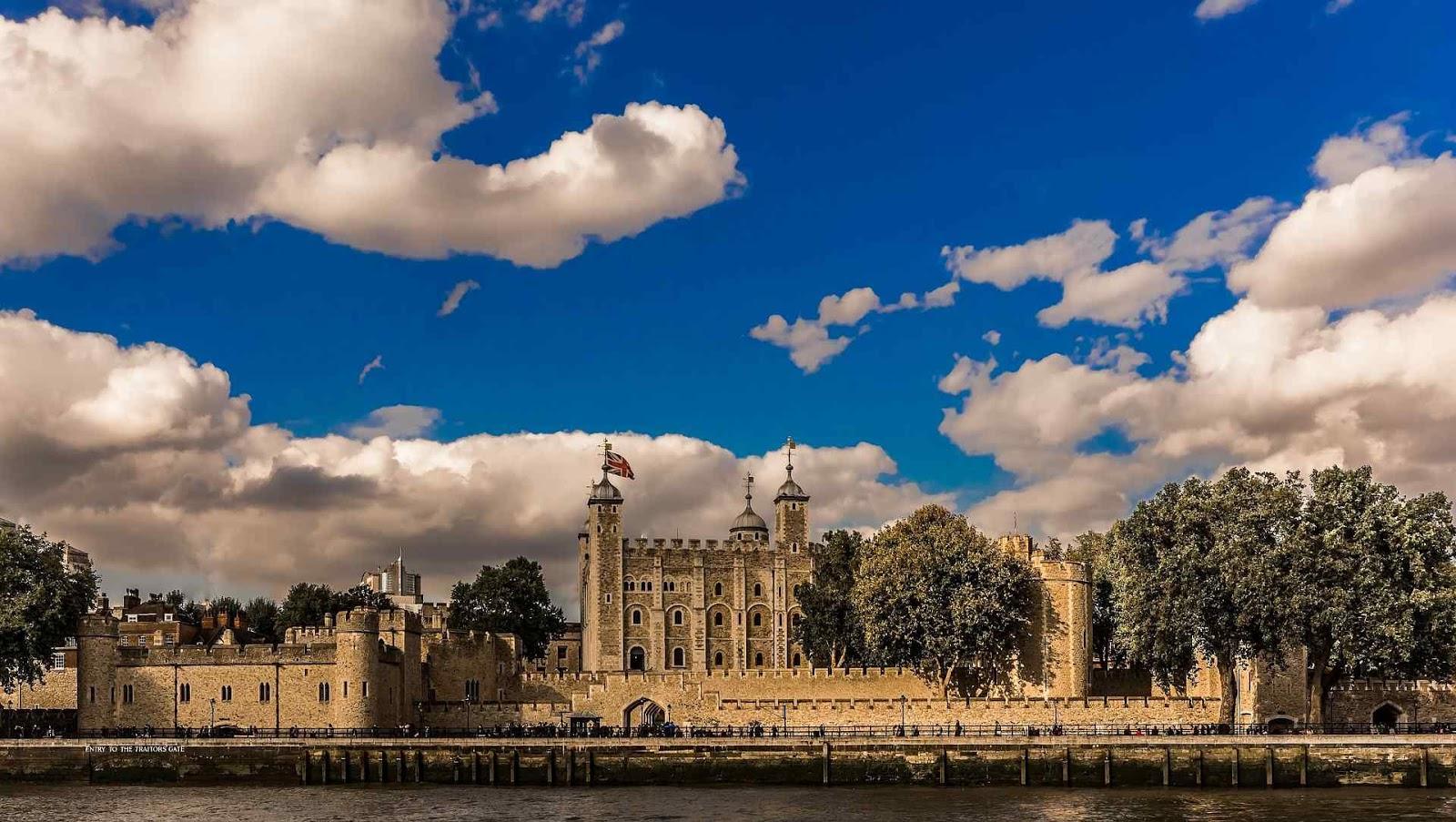 Best Things You Can't-Miss To Do In London - Tower of London