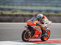 Jadi Pembalap Paling Banyak Crash, Pol Espargaro Bersikeras Gaya Balapnya Cocok Dengan Honda