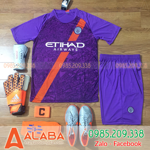 Quần áo bóng đá nữ màu tím đẹp