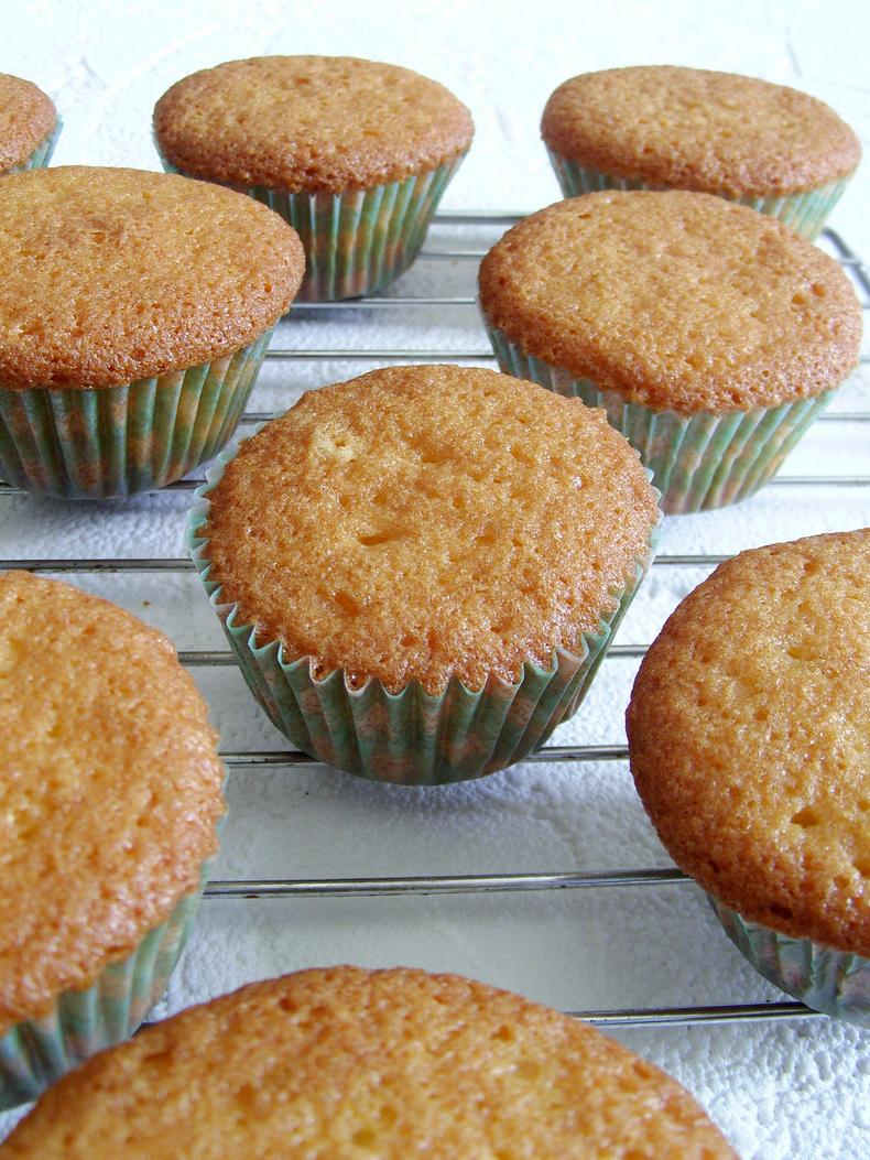 soft moist vanilla cupcakes