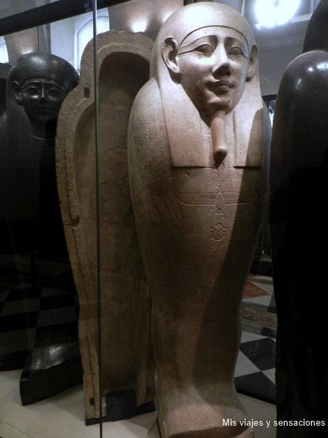 Sarcófago de Iymhétep, colección Egipto, Museo del Louvre, París