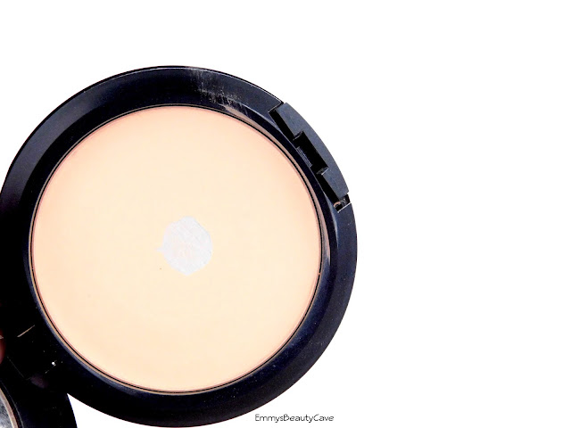 MAC Studio Fix Powder Plus Foundation NW20 Review