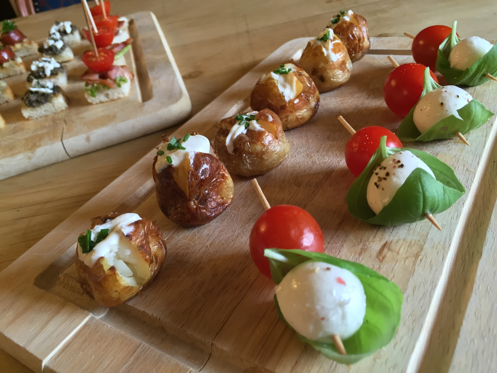 Donington park farmhouse hotel new canapes for your for Wedding canape menu
