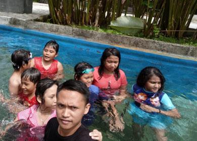 My Teacher, My Friend- Swimming Day Kelas VI SDK Kalam Kudus Timika
