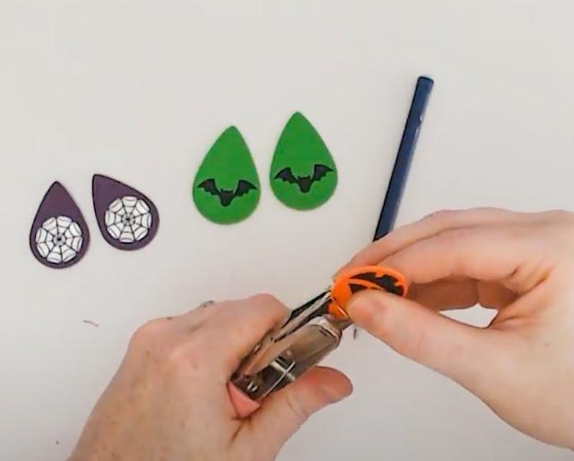HTV, earrings, CAMEO 4, faux leather earrings, heat transfer vinyl, faux leather