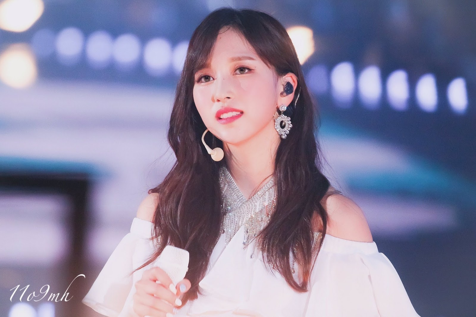 Appearing at TWICE Concert, JYP Entertainment Updates Mina's Health Conditions