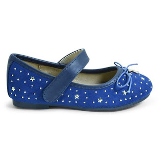 Girls Shoes Pic