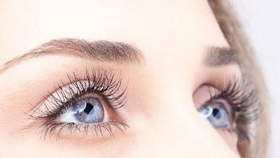 mauvaises habitudes qui nuisent à la santé des yeux