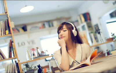 Manfaat Mendengarkan Musik sebelum Tidur yang Luar biasa