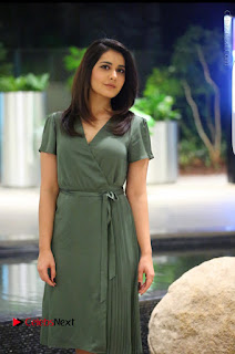 Actress Raashi Khanna Latest Poshoot Gallery  0004.jpg