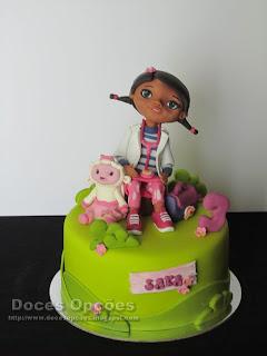 Bolo de aniversário Doutora Brinquedos