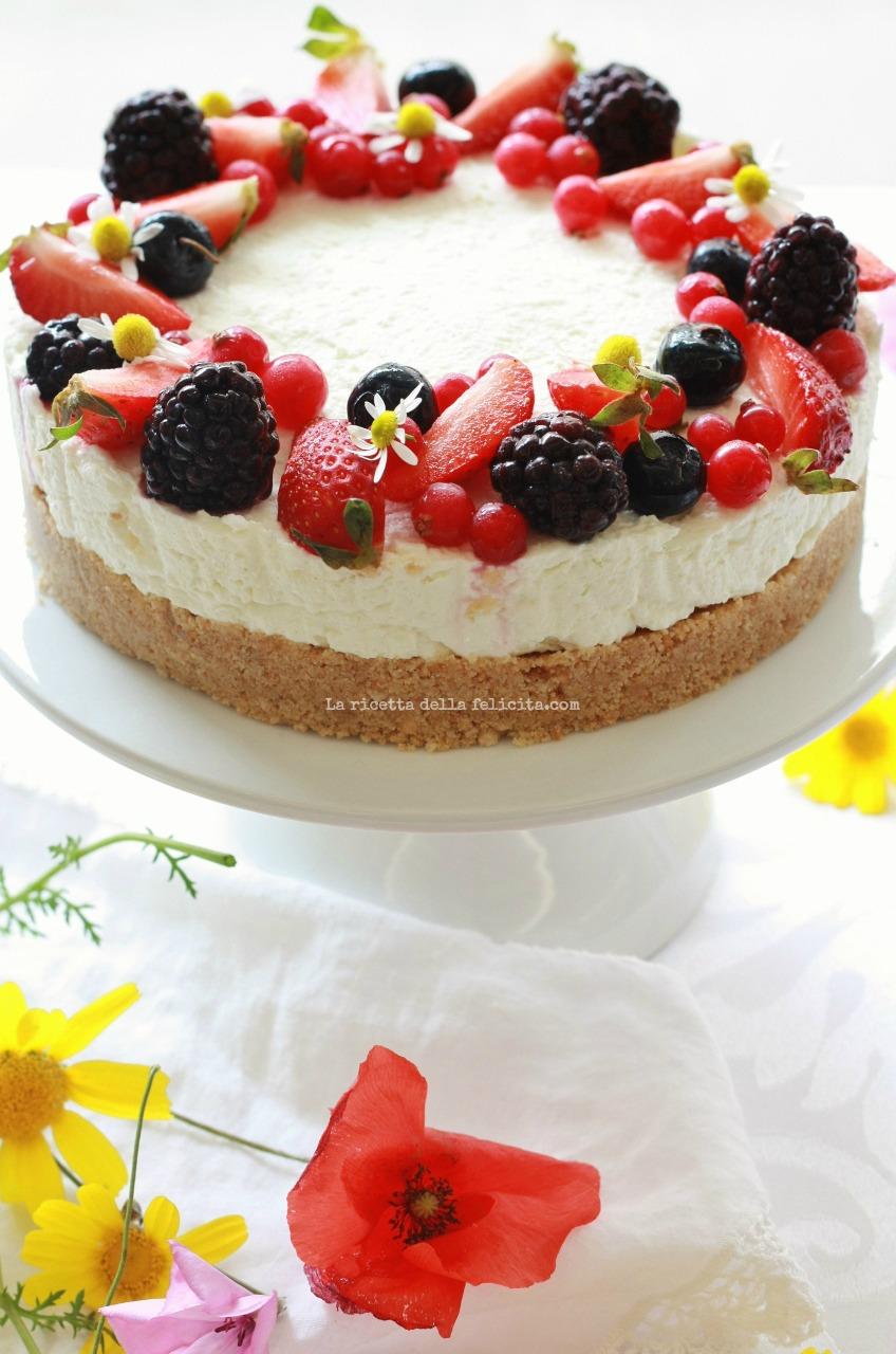 Cheesecake senza forno al lime e frutti di bosco... e tanti auguri ...