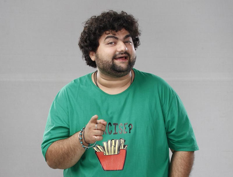 Kevin Dave as Goldie Sharma in Saat Phero Ki Hera Pherie