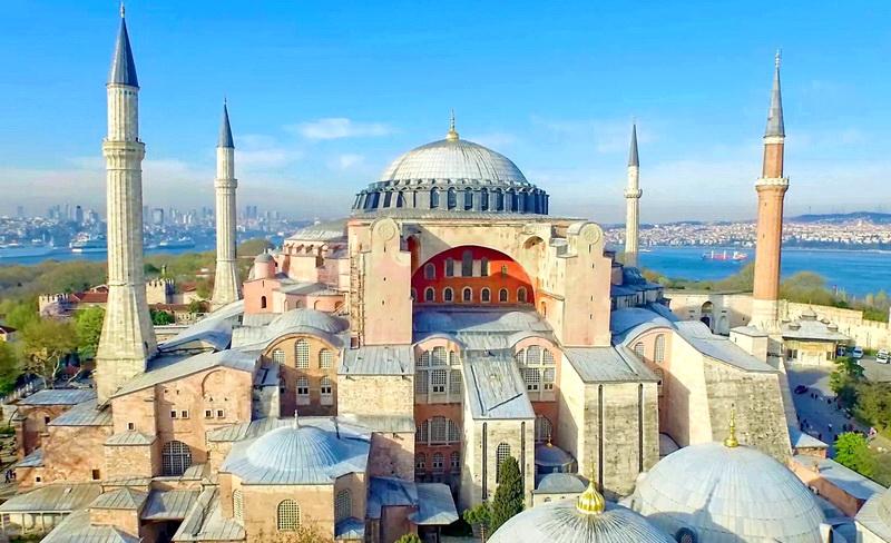 Ο ναός της Αγίας Σοφίας και τα παιχνίδια του Ερντογάν