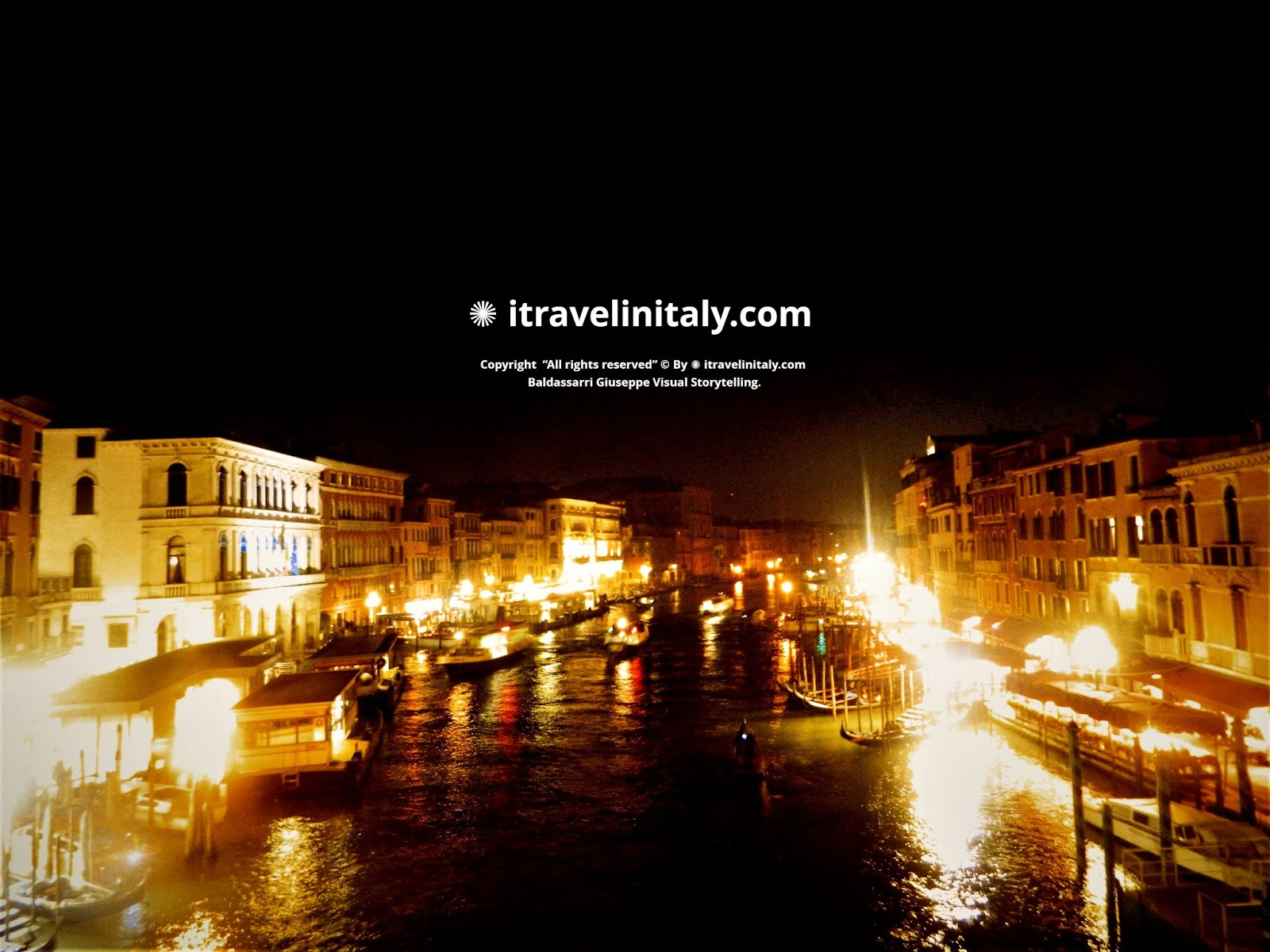 "The Rialto Bridge by Night  Copyright  ""All rights reserved"" © By itravelinitaly.com Baldassarri Giuseppe Visual Storytelling."