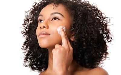 10 conseils de professionnels pour la beauté des femmes avec la peau noire