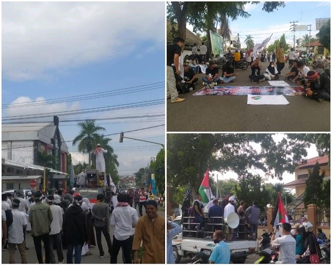 Kutuk Agresi Brutal Zhionis Isra'il, Gabungan Ormas Islam Se Kabupaten Dompu Turun Ke Jalan