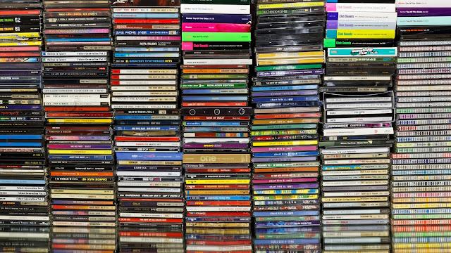 Mengoleksi CD Musik Original