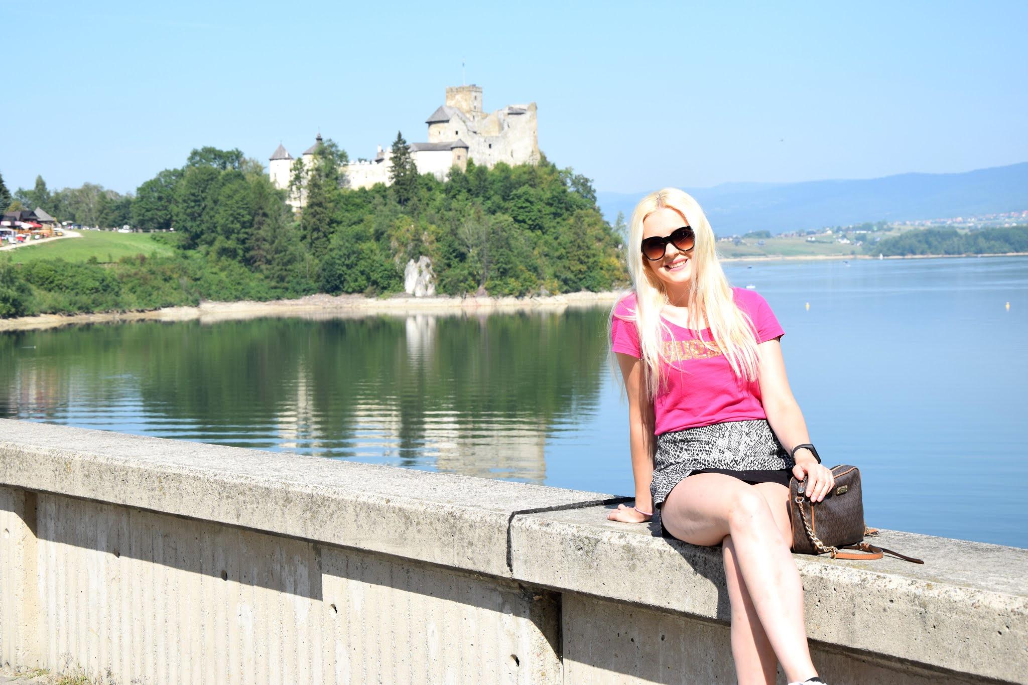 Niedzica, Niedzica Zamek, Zamek w Niedzicy, parking Niedzica, zapora Niedzica, rejs statkiem Niedzica, rejs statkiem Niedzica Czorsztyn, Czorsztyn, Zamek w Czorsztynie