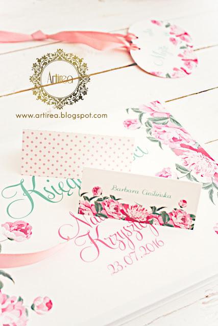 pudrowy roz piwonie zaproszenia i dodatki ślubne oryginalne kwiaty rozowe groszki artirea