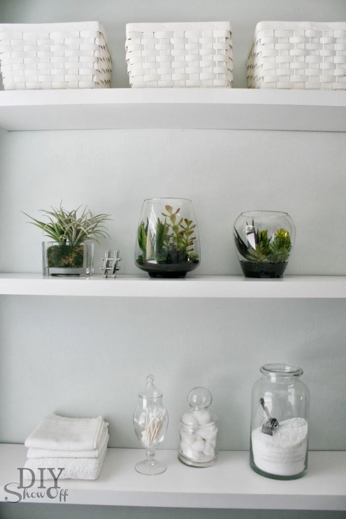 DIY Bathroom Makeover - DIY Craft Projects