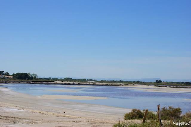 Le saline di Aigues Mortes e il tipico paesaggio
