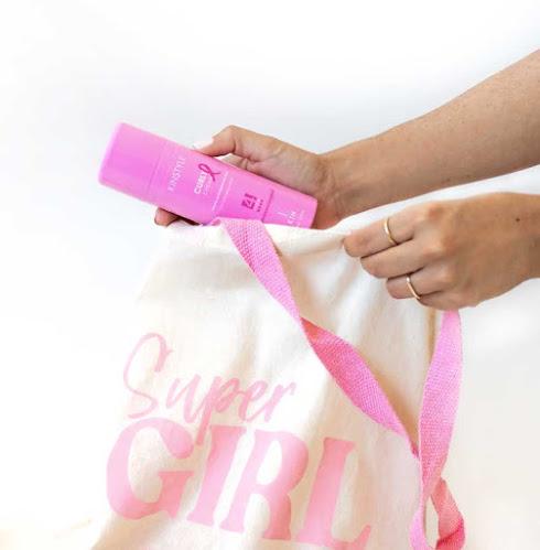 KIN Cosmetics edición limtada cáncer de mama