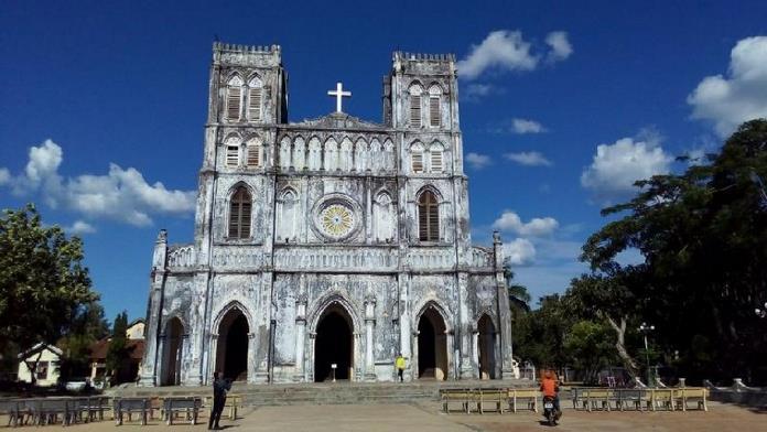 Dịch vụ du lịch Phú Yên - Nhà thờ Mằng Lăng