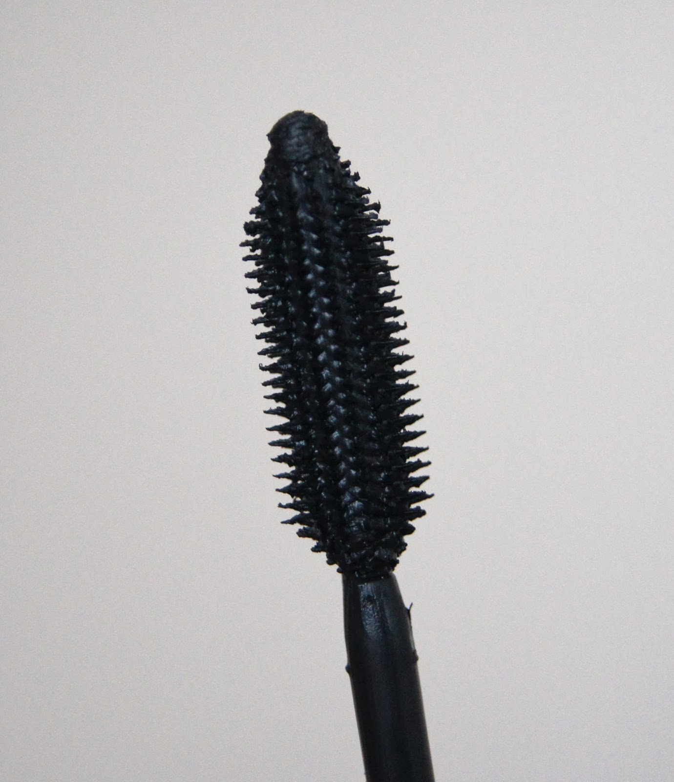 loreal volume million lashes extra black mascara wand