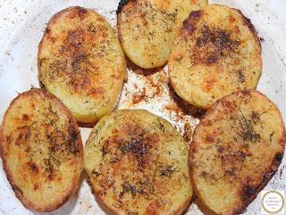 Cartofi la cuptor cu unt si usturoi reteta,