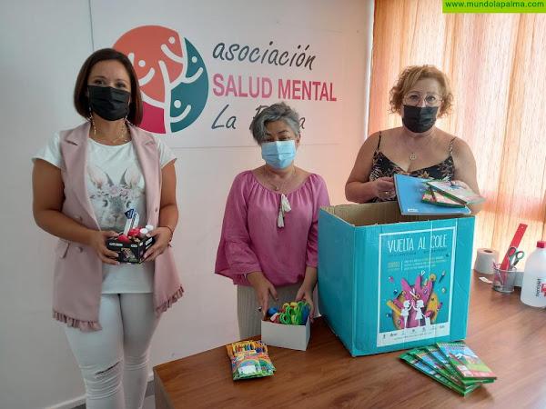 Donación material escolar a Salud Mental La Palma de parte de AZCA
