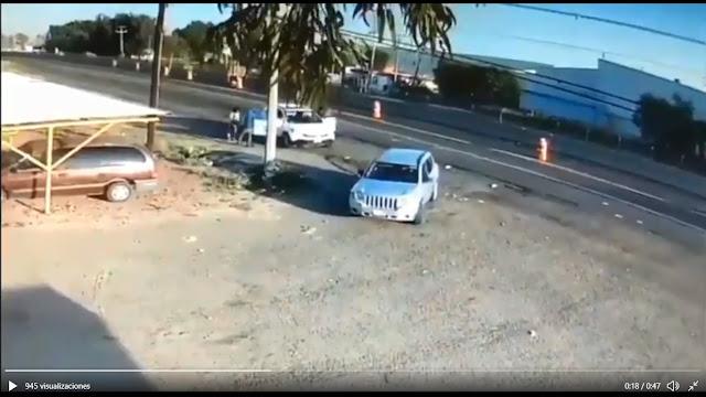 VIDEO.- Así es como los Sicarios del CDSR de José Antonio Yépez Ortiz El Marro quitan camioneta a señora y su hija