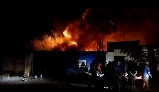 kondisi pabrik kayu PT Kanna Wood terbakar