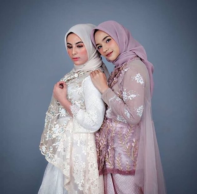 Model Kebaya Muslim Brokat Syar'i