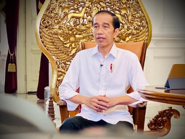 Jokowi Negatif COVID-19 Sebelum Divaksin, Hanya Sempat Batuk Kecil