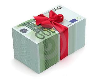 [Edito audio] Rémunérations des Patrons : une polémique électoraliste dans Economie billets-de-banque%2Beuros%2Bcadeau