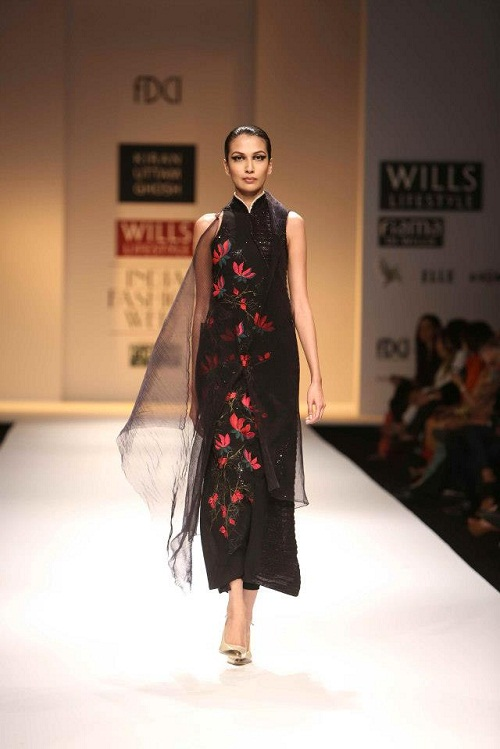 Fashion Designer Outfits Kiran Uttam Ghosh At Wills Lifestyle India Fashion Week Autumn Winter 2013