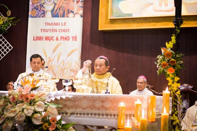 Lễ truyền chức Phó tế và Linh mục tại Giáo phận Lạng Sơn Cao Bằng 27.12.2017 - Ảnh minh hoạ 42