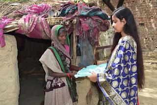 शिक्षक अश्वनी सिंह की बेटी ने गरीबों के साथ साझा की अपने जन्मदिन की खुशियां | #NayaSaberaNetwork