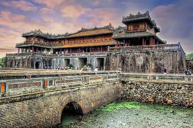 Thăm hoàng cung Cố đô Huế