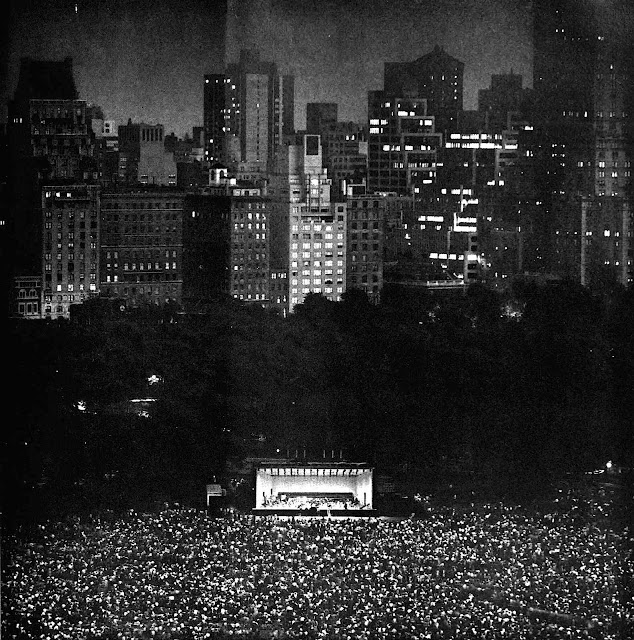 Malcolm Smith photograph 1965, audience at night