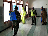 Sejumlah Fasilitas Umum Di Kecamatan Kapas, Disterilisasi Petugas Gabungan Bojonegoro