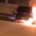 Bombeiros são acionados para apagar fogo em carro no centro de Cajazeiras