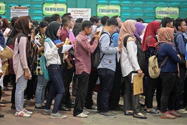 Pemerintah Kelabakan, Pengangguran di Indonesia Tembus 9,7 Juta Orang