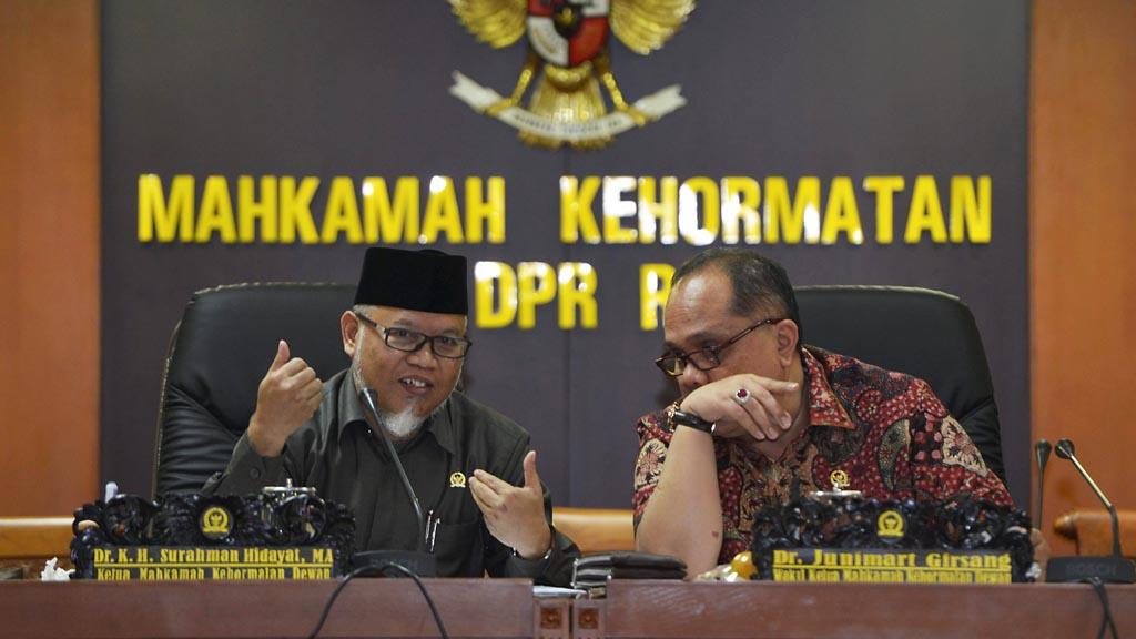 Dewi Tanjung Laporkan Fadli Zon Atas Dugaan Like Situs Porno, Begini Respons MKD