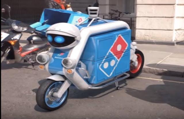 Dominos ने Pizza की डिलिवरी के लिए पेश किया रोबोट, देखें PHOTOS
