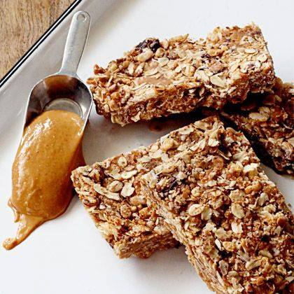 Chewy Peanut Butter and Chocolate Granola Bars