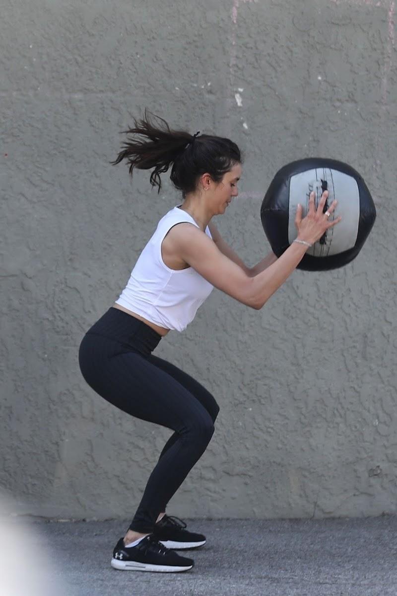 Nina Dobrev Workout at a Private Gym in Santa Monica 16 Apr- 2021